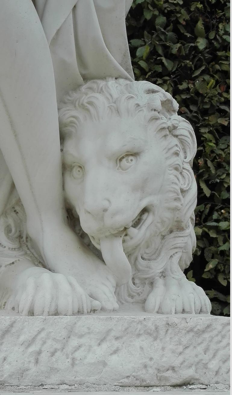Sculpture tête de Lion_Jardin de Versailles
