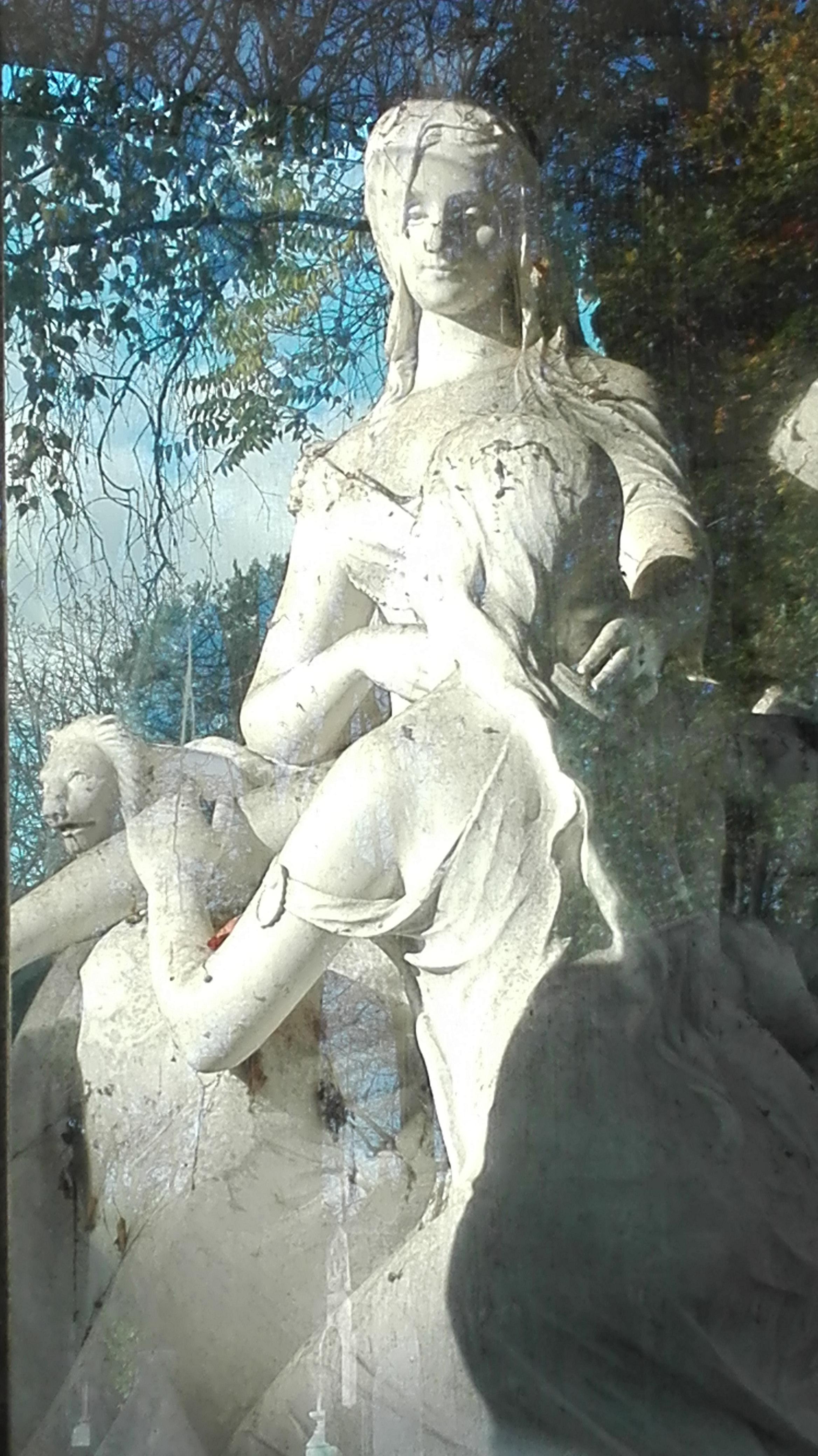 Sculpture Femme et fille