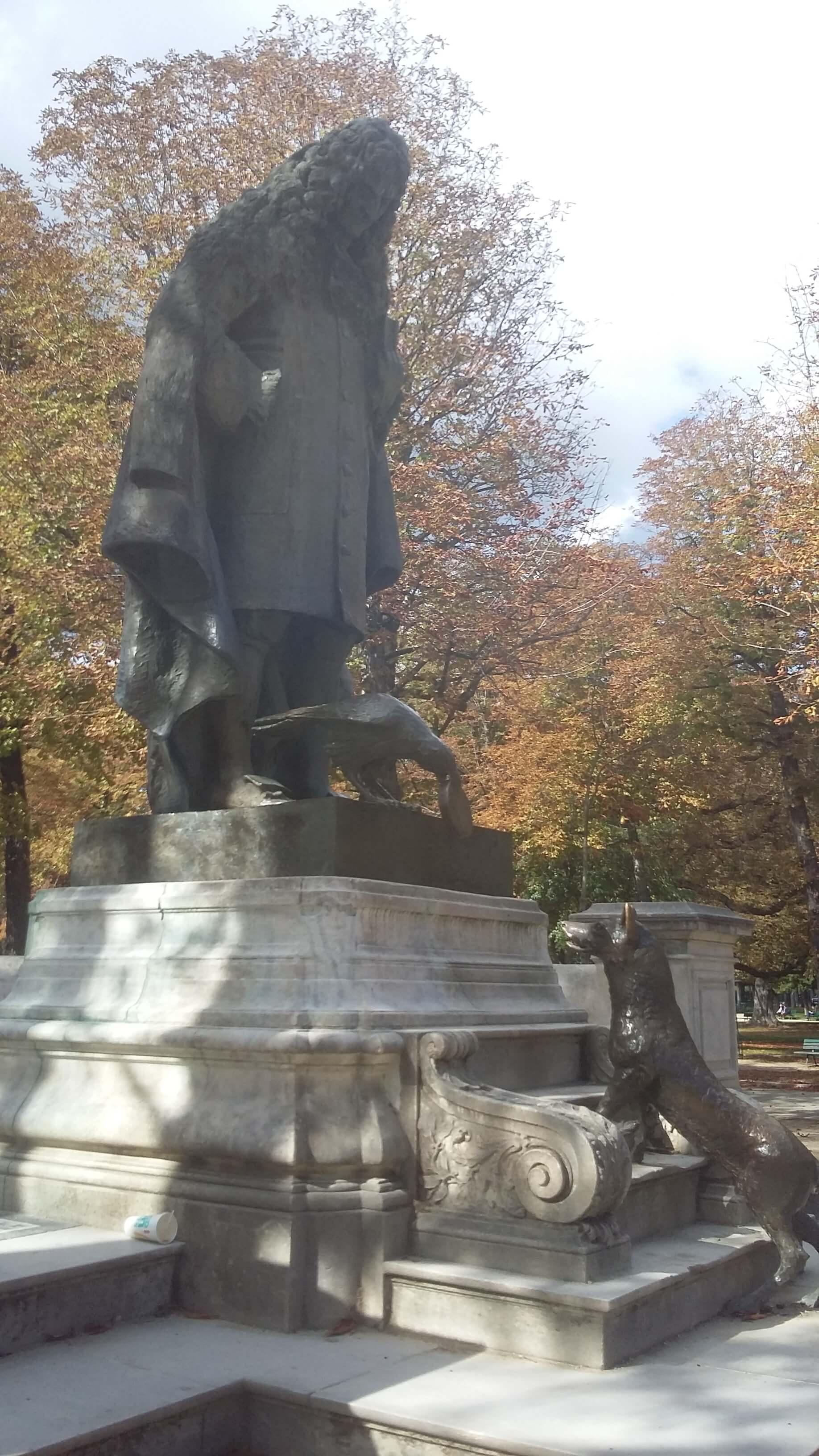 statue-Jean-de-La-Fontaine