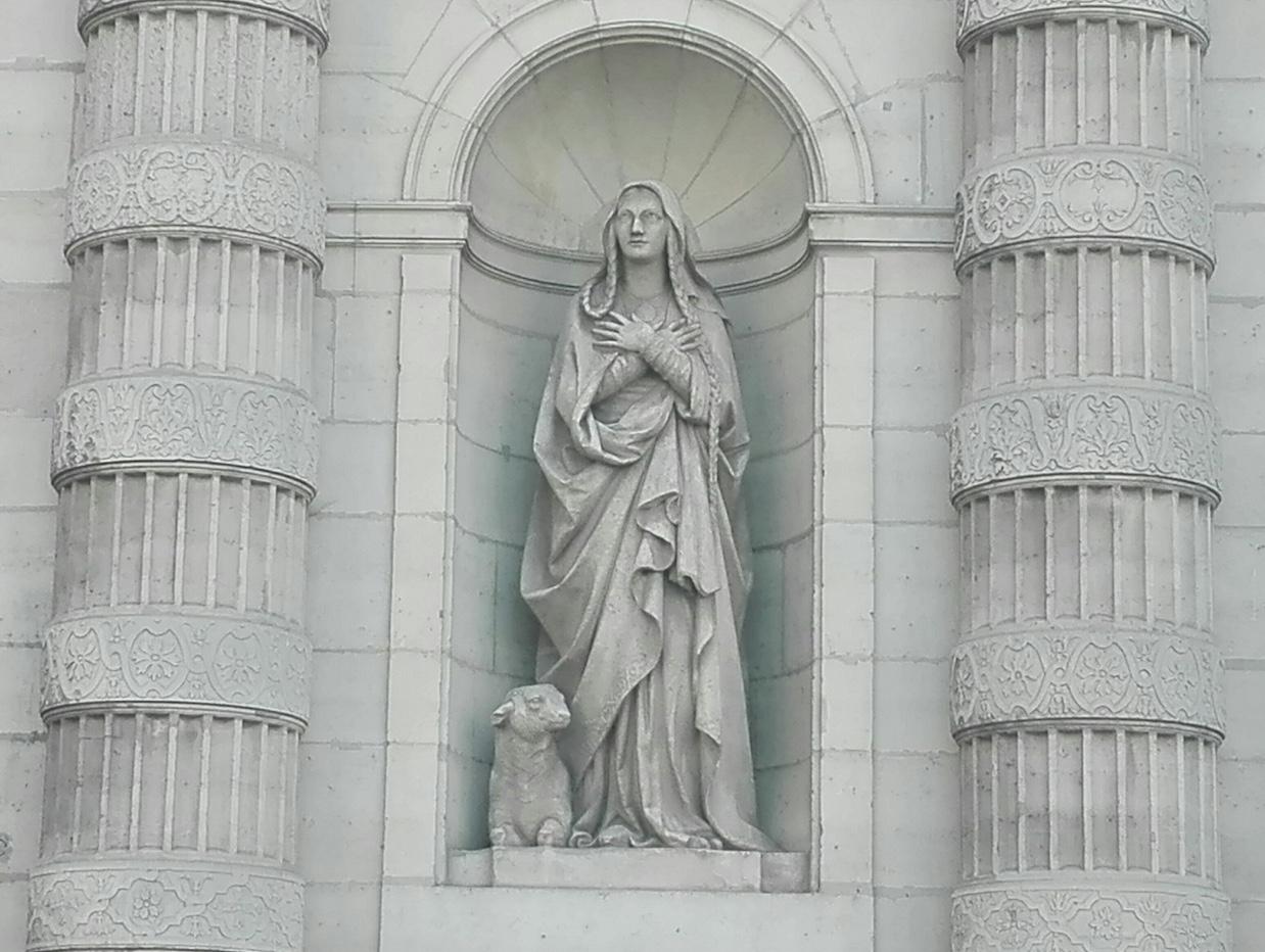 Sculpture de Sainte Geneviève