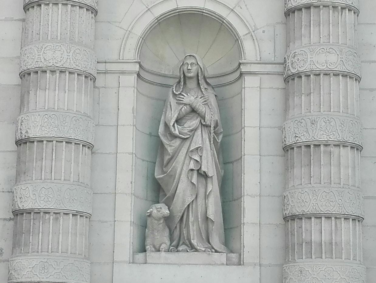 Sculpture Ste Geneviève