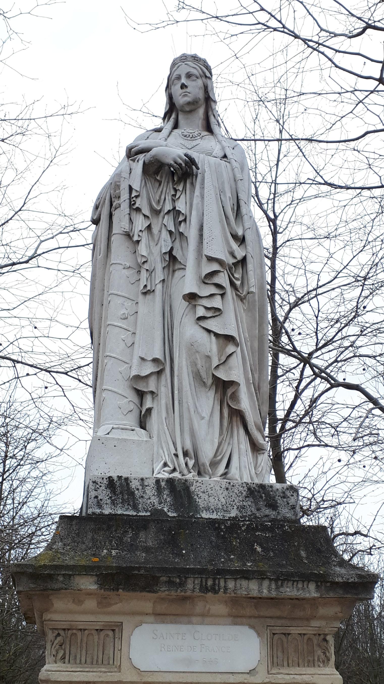 Statue Ste Geneviève_Jardin du Luxembourg
