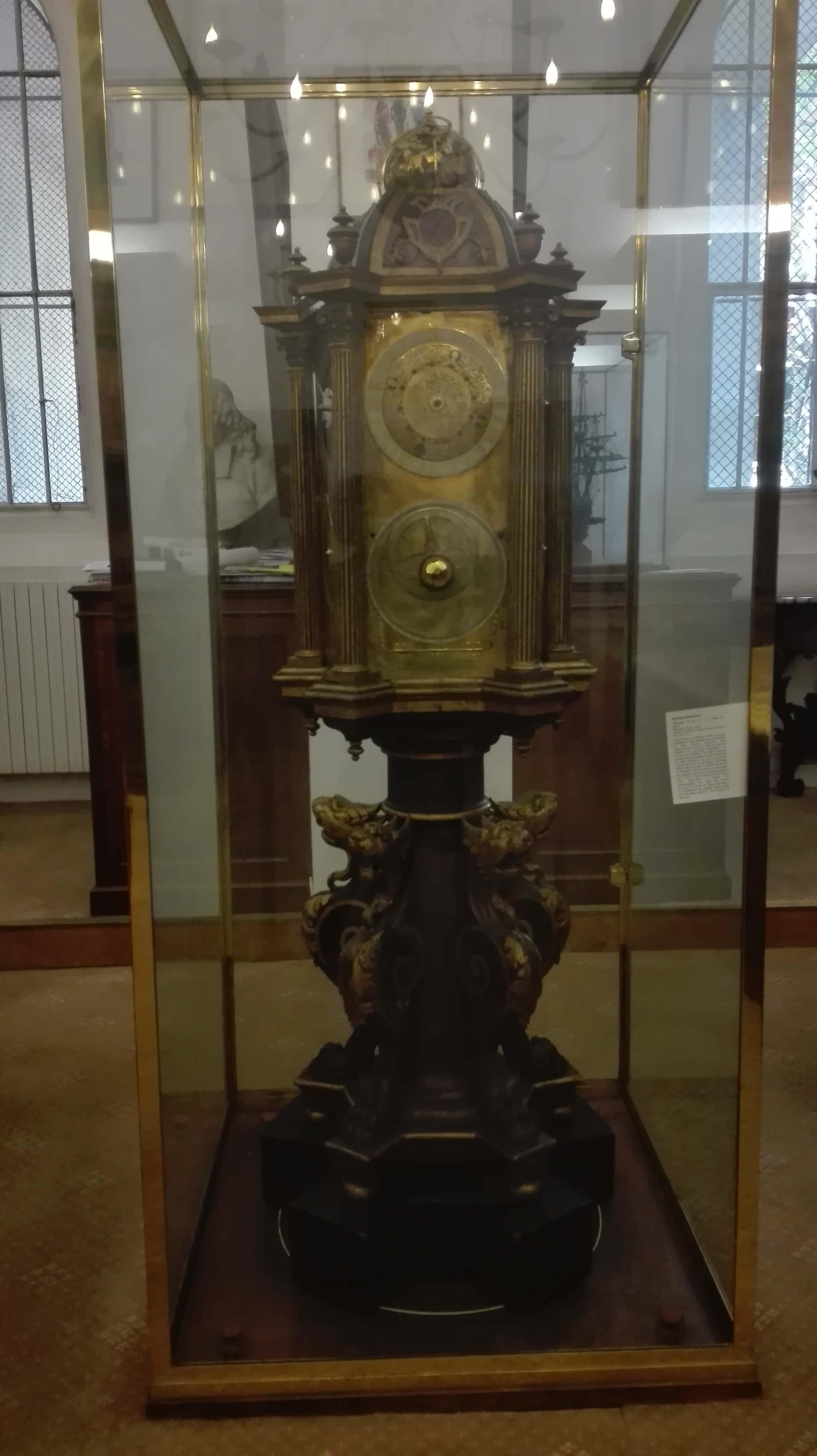 Horloge planétaire. Bibliothèque Sainte-Geneviève